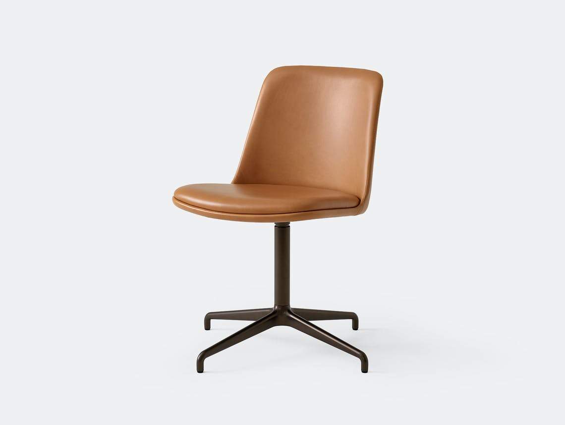 Andtradition rely chair HW14 cognac brz