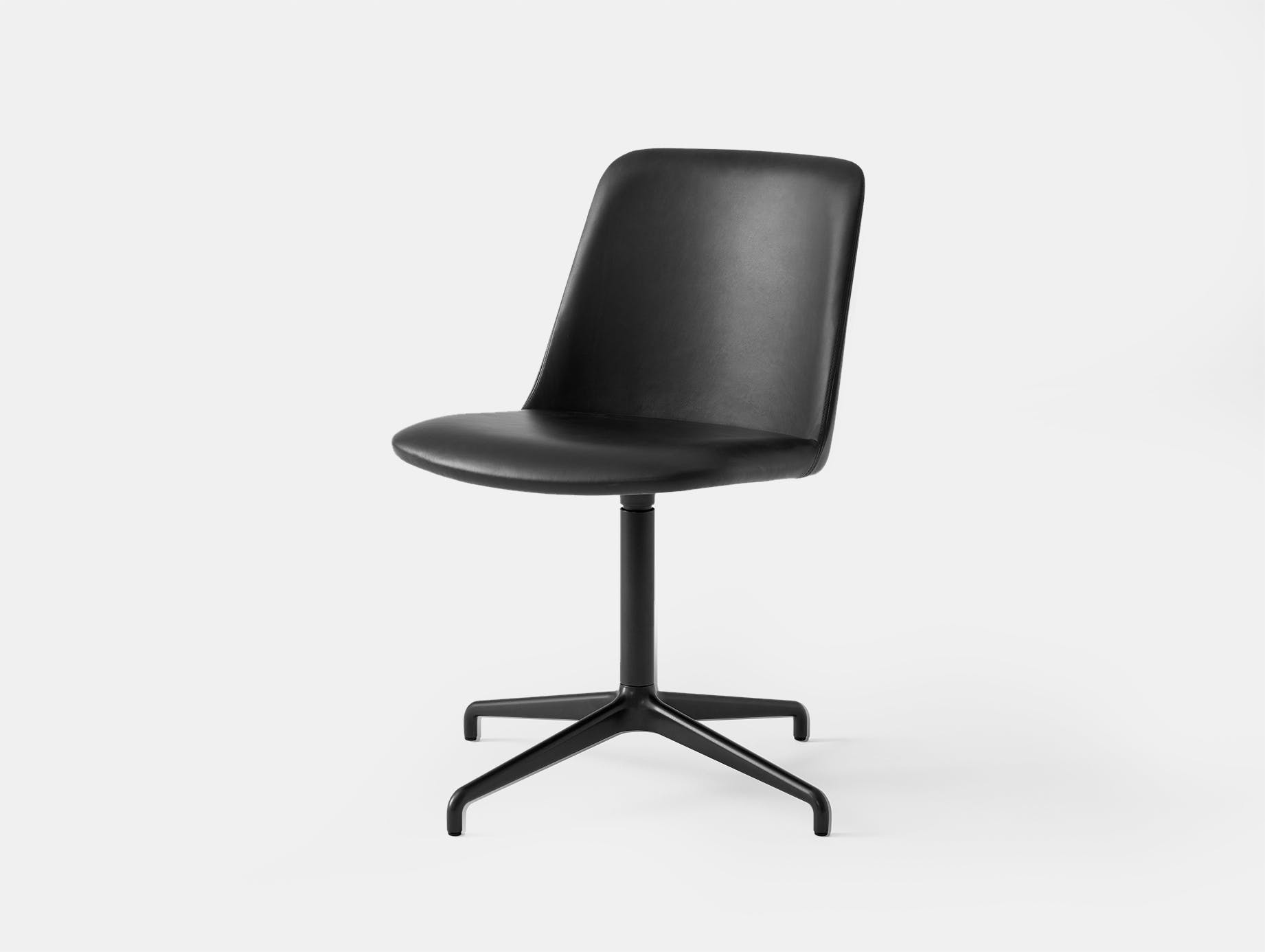 Andtradition rely chair HW18 blk leath blk