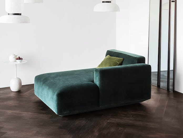 And Tradition Amore Formakami Lato Develius chaise longue