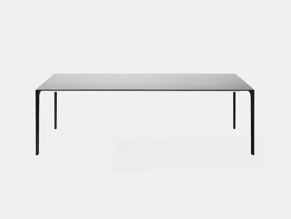 Nuur Table image