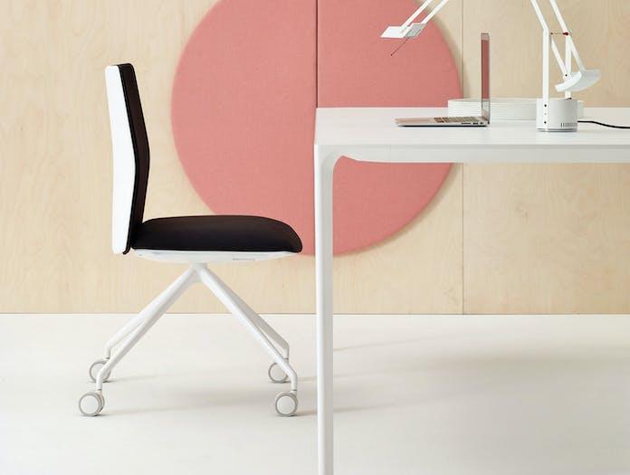 Arper Nuur Table White Kinesit Chair