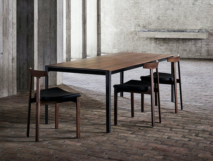 Bensen able table torii chairs walnut