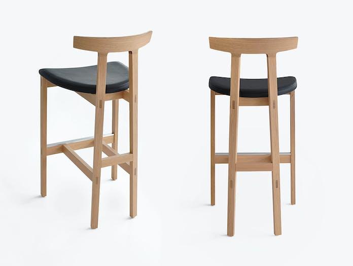 Bensen torii stools oak detail 2