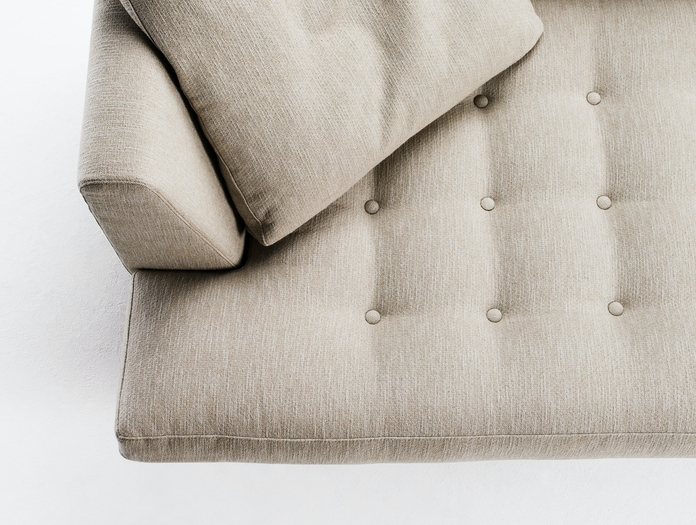 Bensen Edward Sofa Button Detail