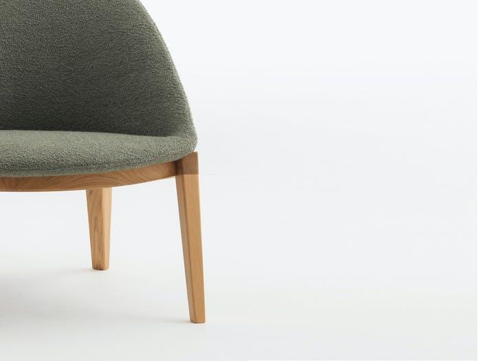 Bensen circa lounge chair wood base story 2