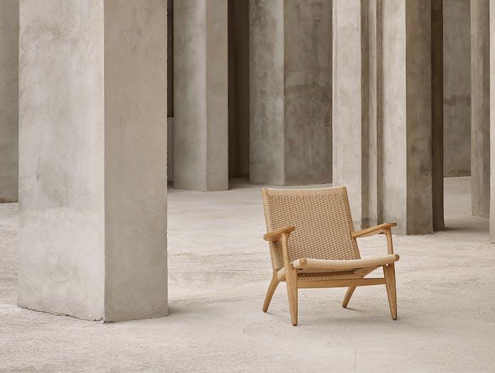 Carl hansen ch25 lounge chair situ
