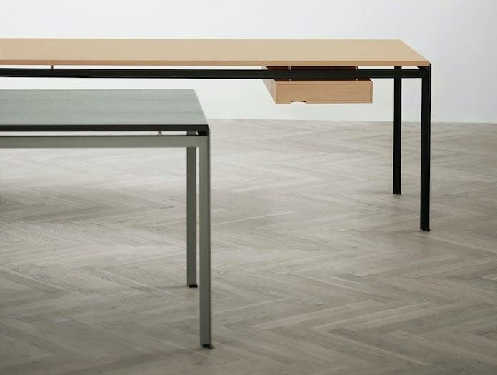 Carl Hansen Pk52 Professor Desk Oak Pk52 A Student Desk Black Oak Kjaerholm