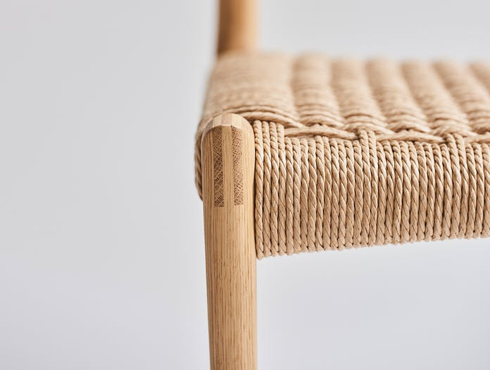 Dk3 pia chair story 05