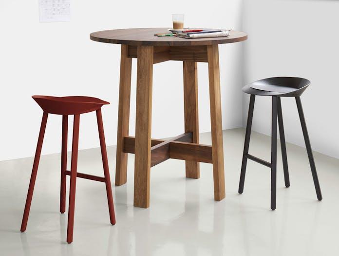E15 Basis Round High Table walnut 2 David Chipperfield