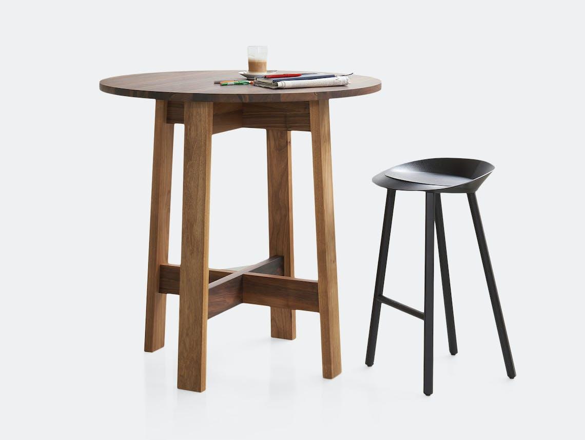 E15 Basis Round High Table walnut sm David Chipperfield