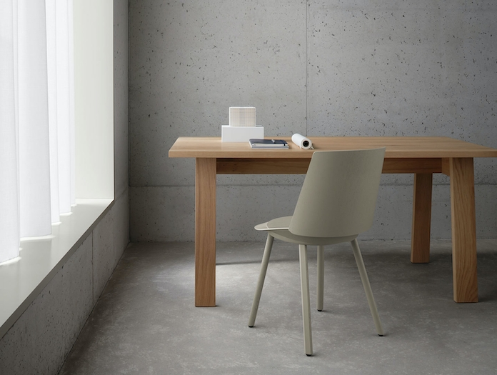E15 Basis Table oak David Chipperfield