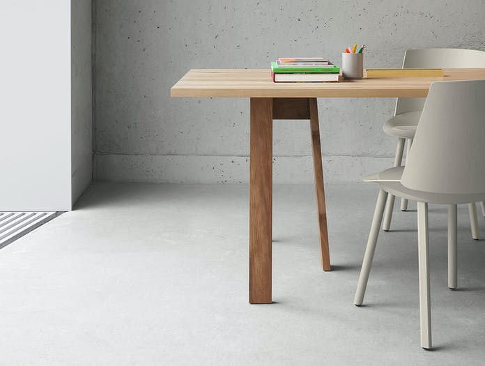 E15 Basis Table Oak Detail Light David Chipperfield
