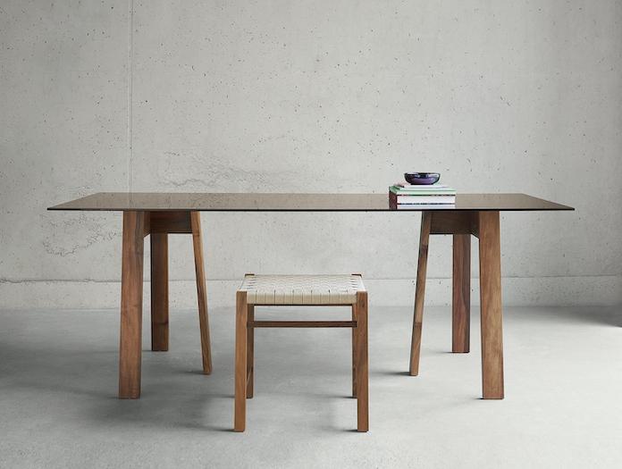 E15 Basis Table Walnut Brown Glass Aswan Stool