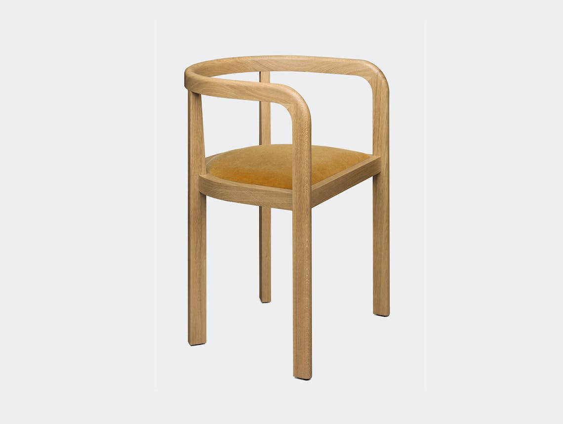 E15 Stuttgart Chair Oak Ochre 0471 Richard Herre