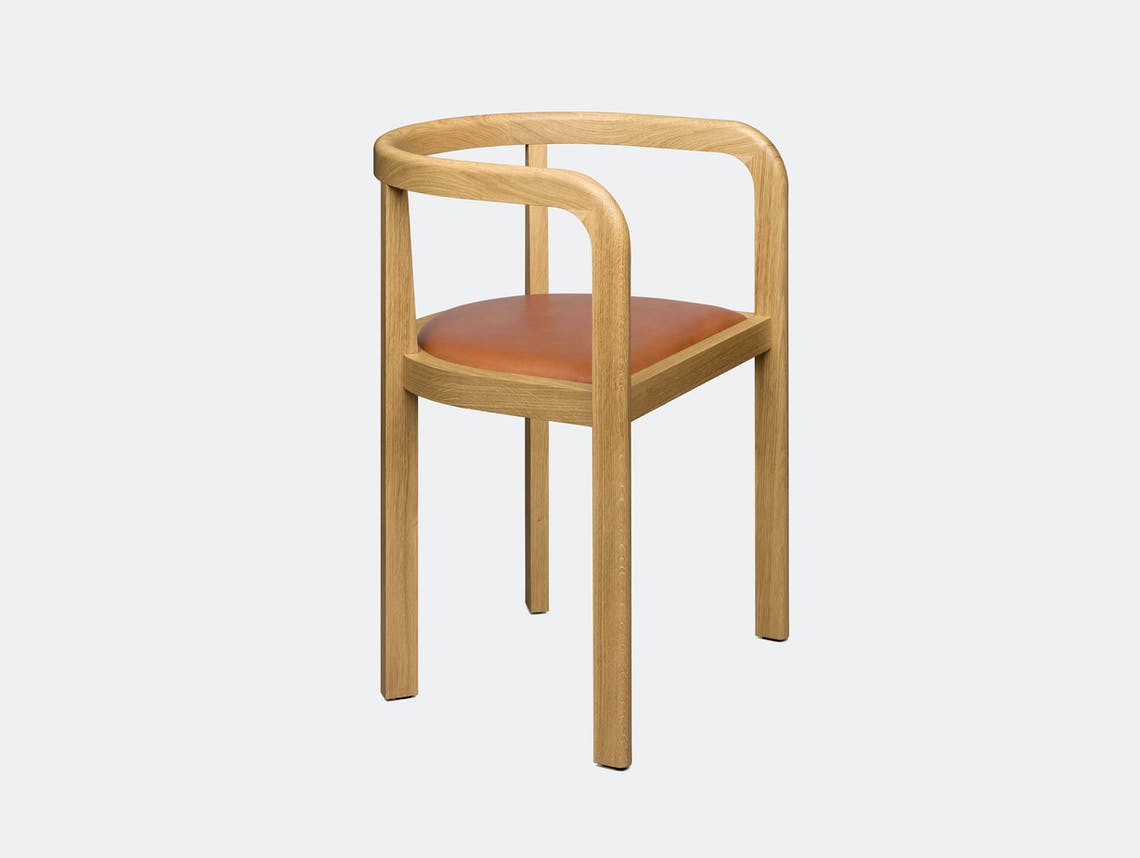 E15 Stuttgart Chair Oak leather whiskey Richard Herre