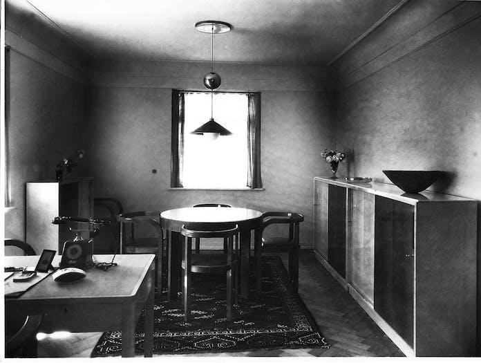 E15 Stuttgart Chairs 1927 Esszimmer Dr Garthe grau
