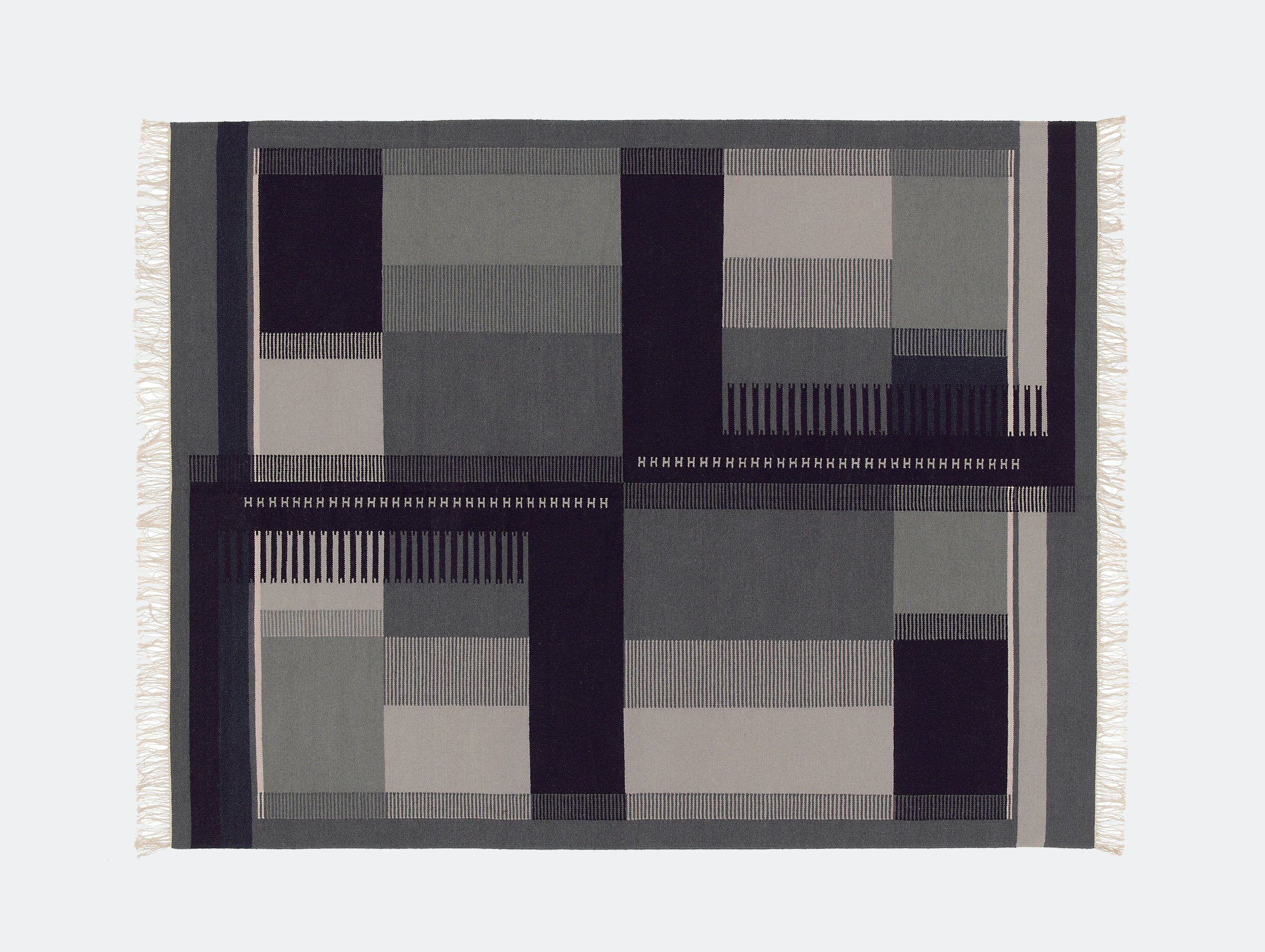E15 Zet Kilim black white Richard Herre