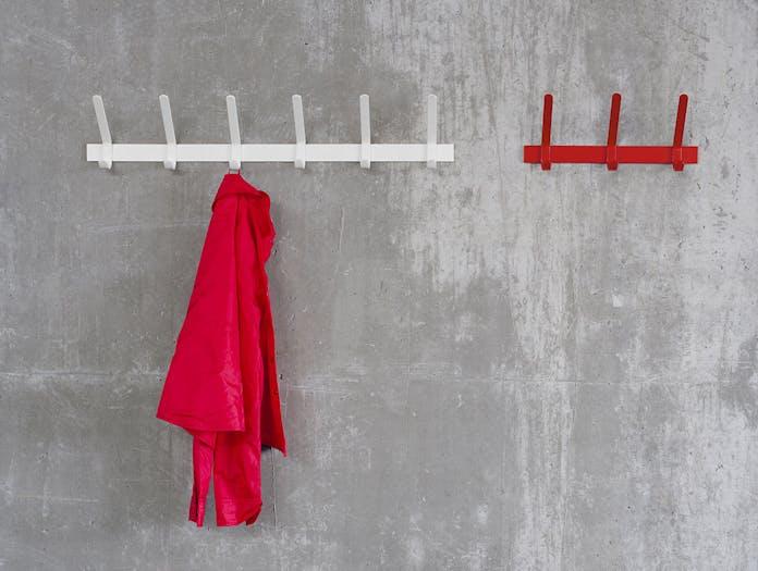 E15 uni coat hook 6 white 3 red