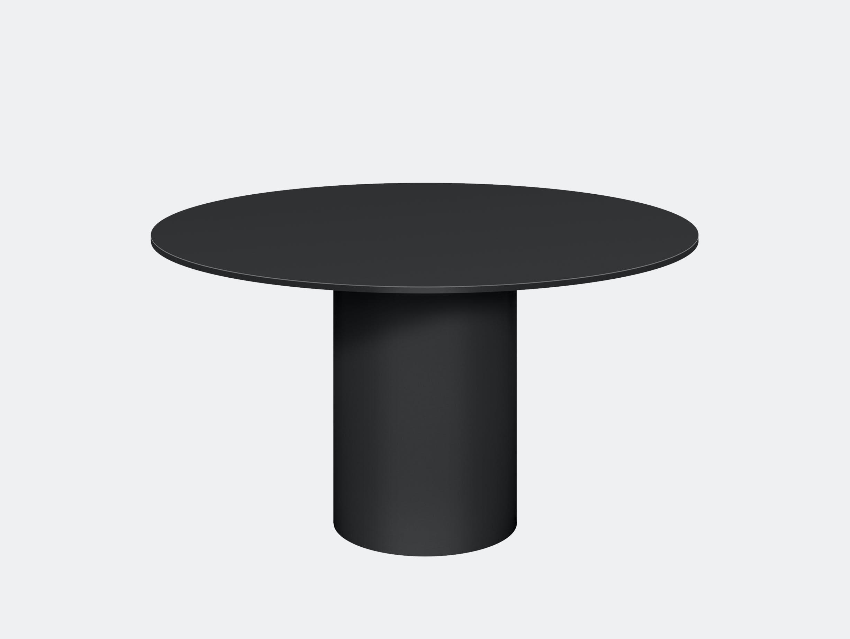 E15 hiroki dining table jet black