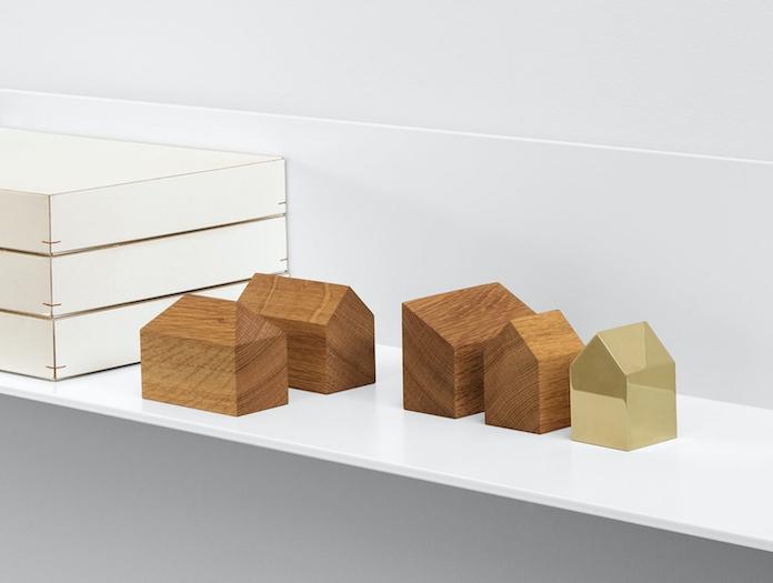 E15 Haus Paperweights Brass Oak Jan Philip Holler