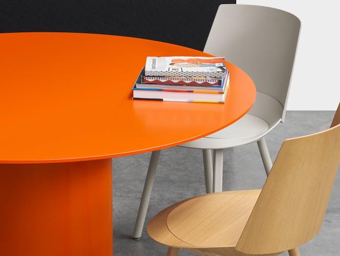 E15 hiroki dining table lifestyle
