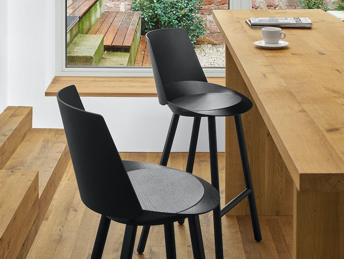 E15 jean stool with backrest 6