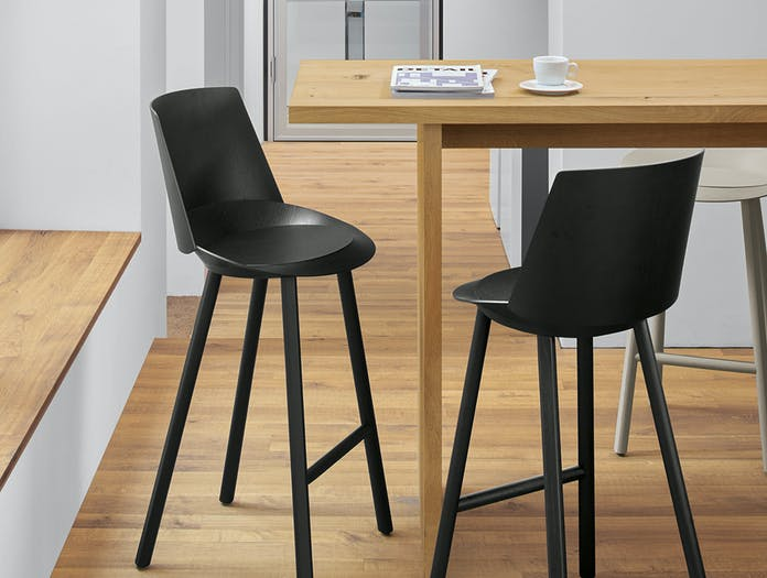 E15 jean stool with backrest 7