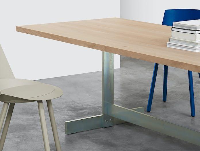 E15 Kazimir Table Oak Zinc Plated Detail Philipp Mainzer