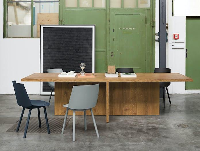E15 Zehn Oak Table 3