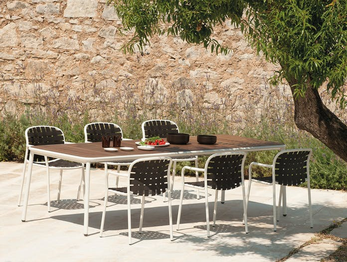Emu Yard Dining Chairs And Table Stefan Diez