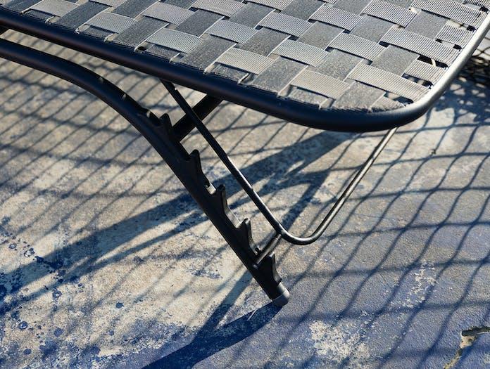 Emu Yard Sunbed Leg Detail Stefan Diez