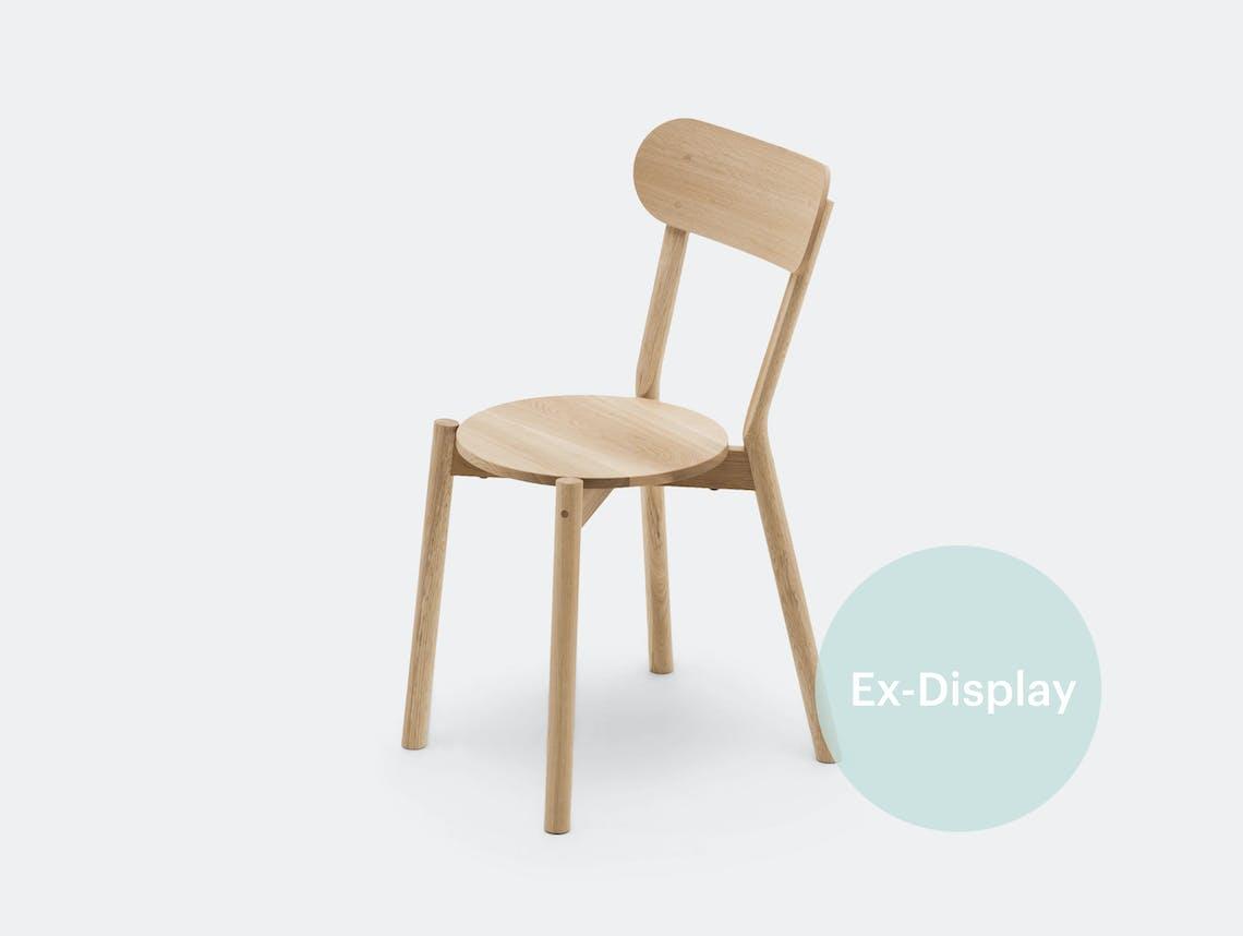 Xdp karimoku new standard castor chair oak ct