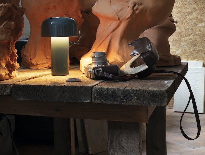 Flos bellhop table lamp ls 8