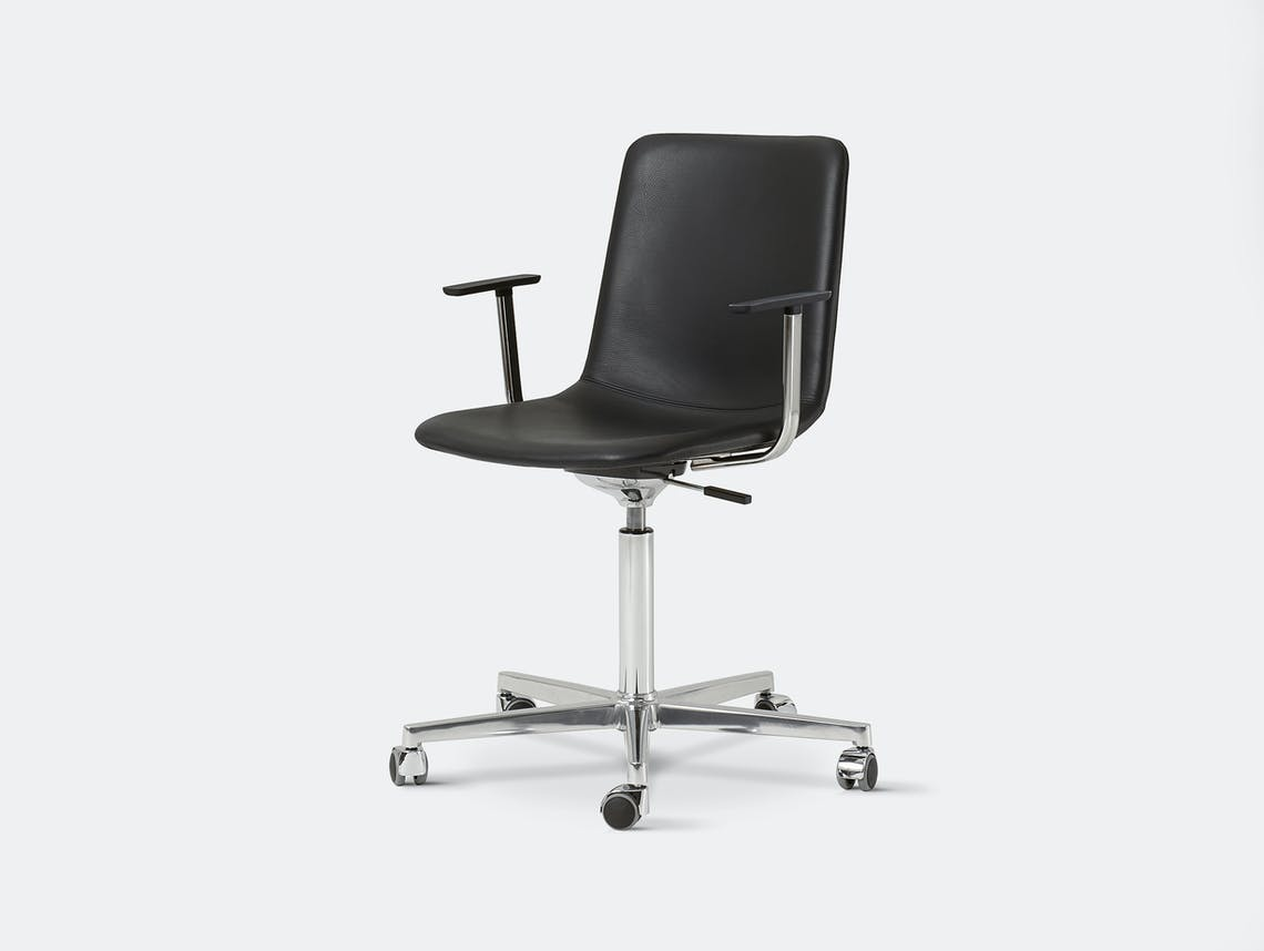 Fredericia pato chair swivel castor base 2