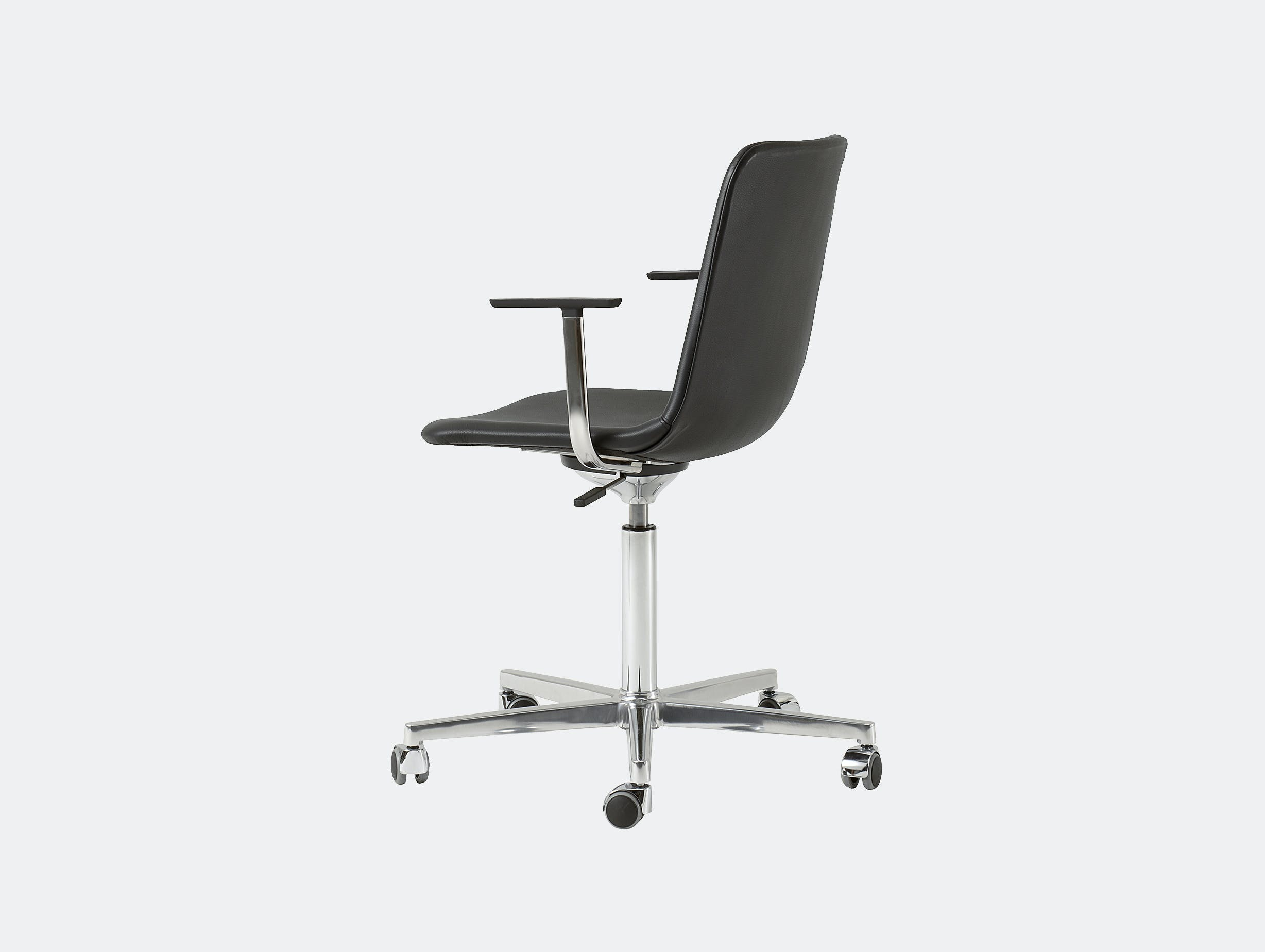Fredericia pato chair swivel castor base 3