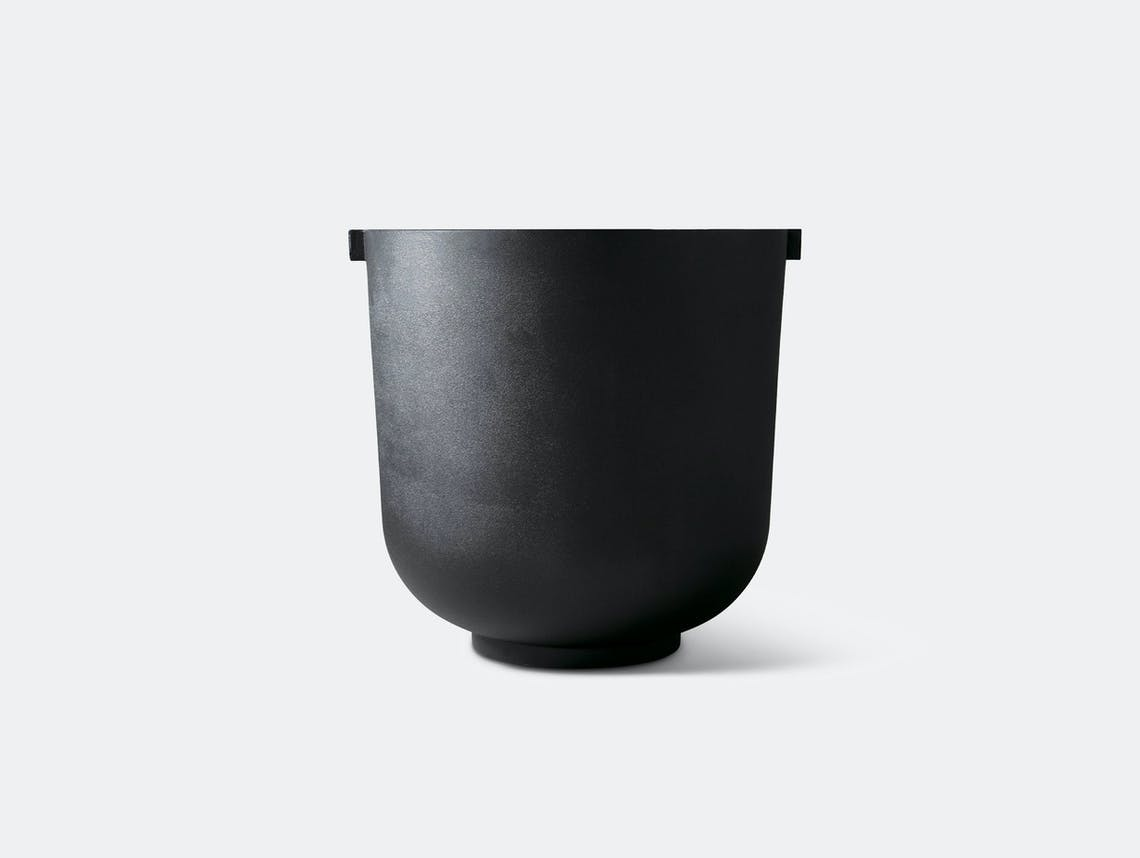 Friends founders castle planter medium black