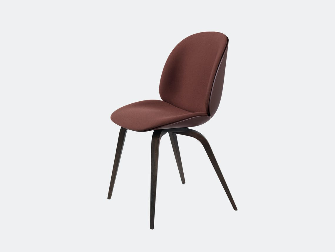 Gubi Beetle Chair Smoked Oak Dark Pink Steelcut 655 Front Upholstery Gam Fratesi