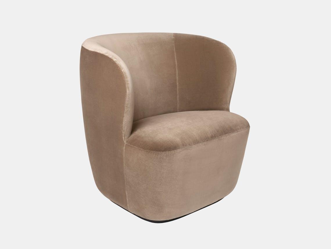 Gubi Stay Lounge Chair Velvet 208 Space Copenhagen