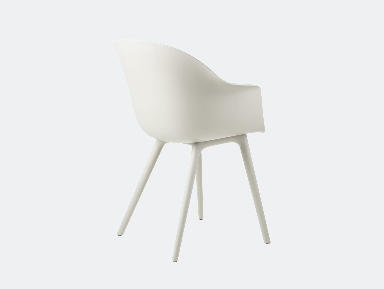 Gubi bat outdoor chair alabaster white back