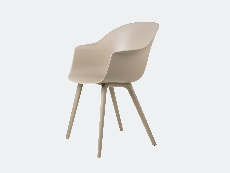 Gubi bat outdoor chair new beige