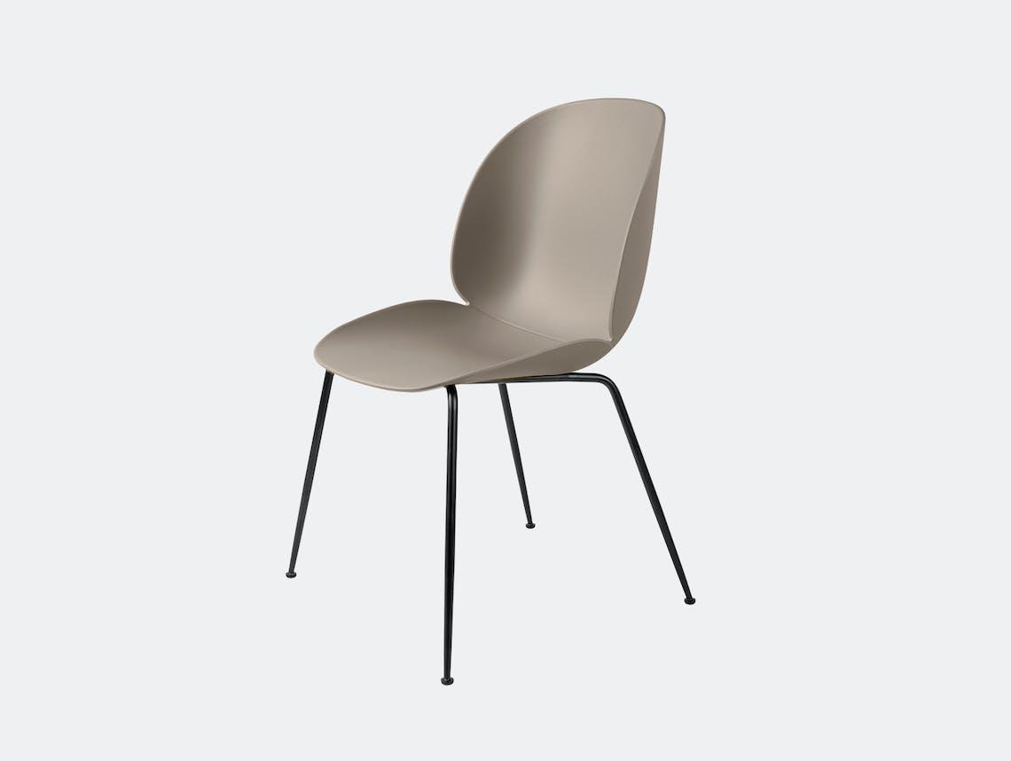 Gubi beetle dining chair beige blk
