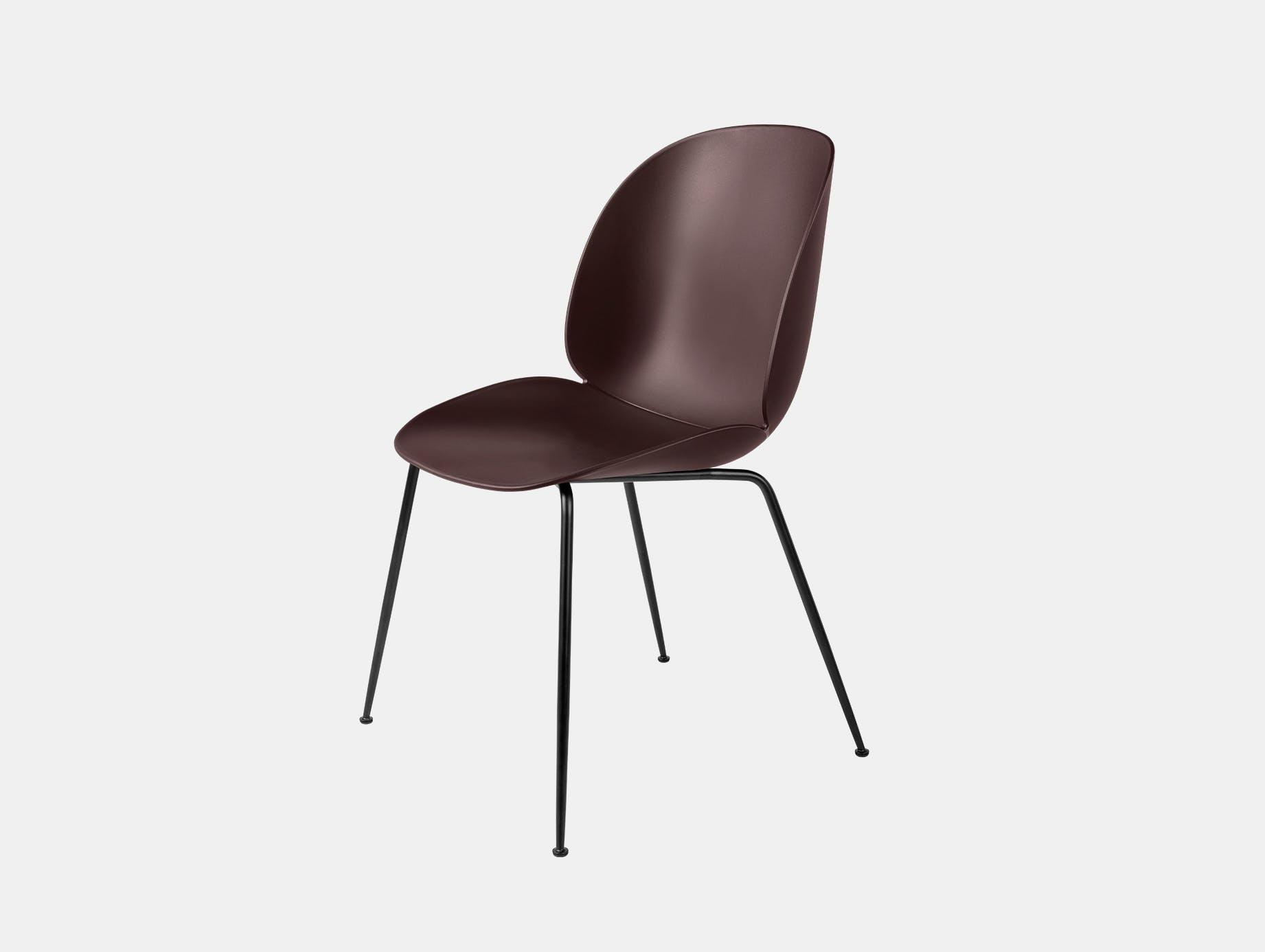 Gubi beetle dining chair dark pink blk