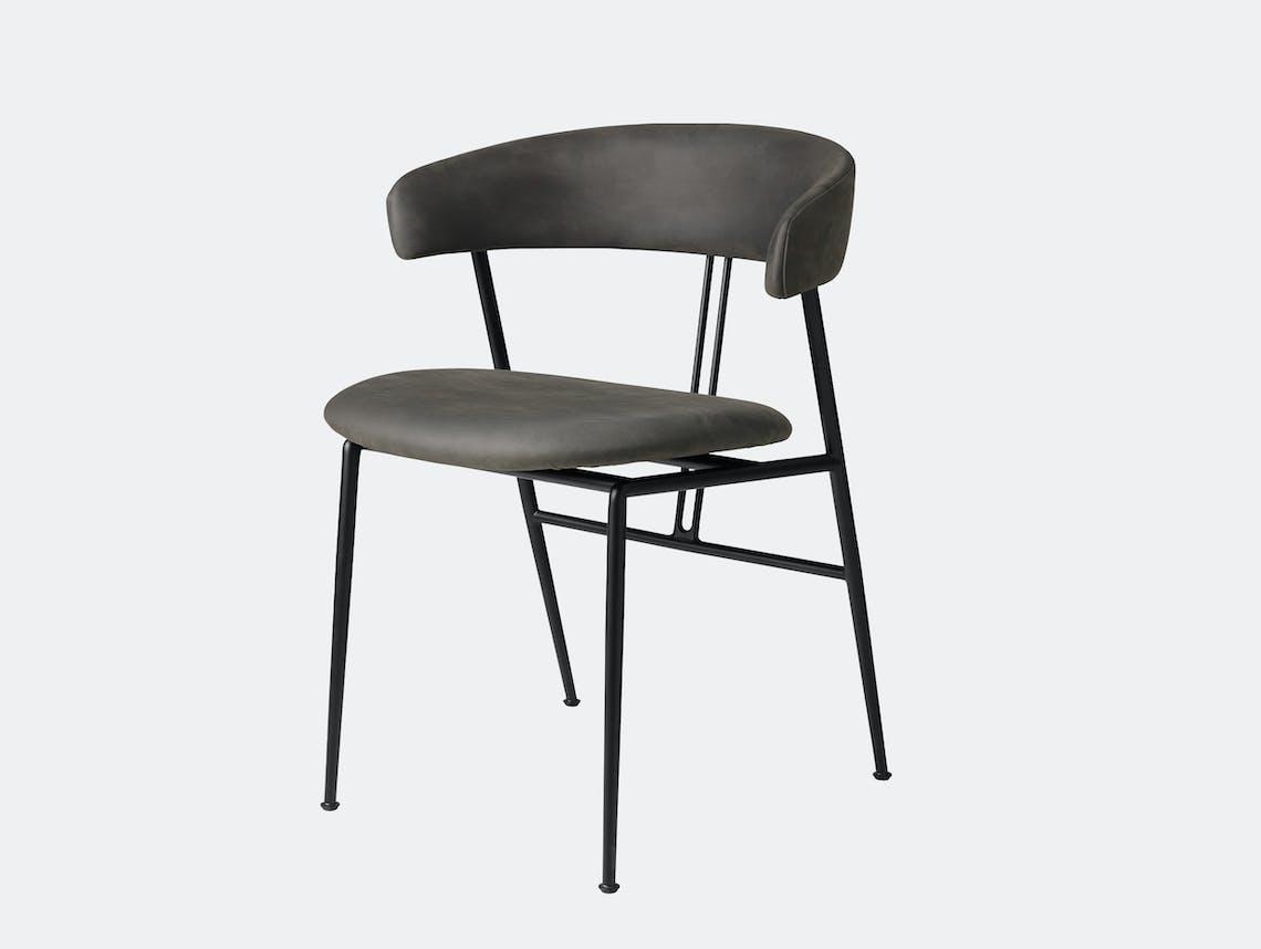 Gubi violin chair fully upholstered dunes 21007