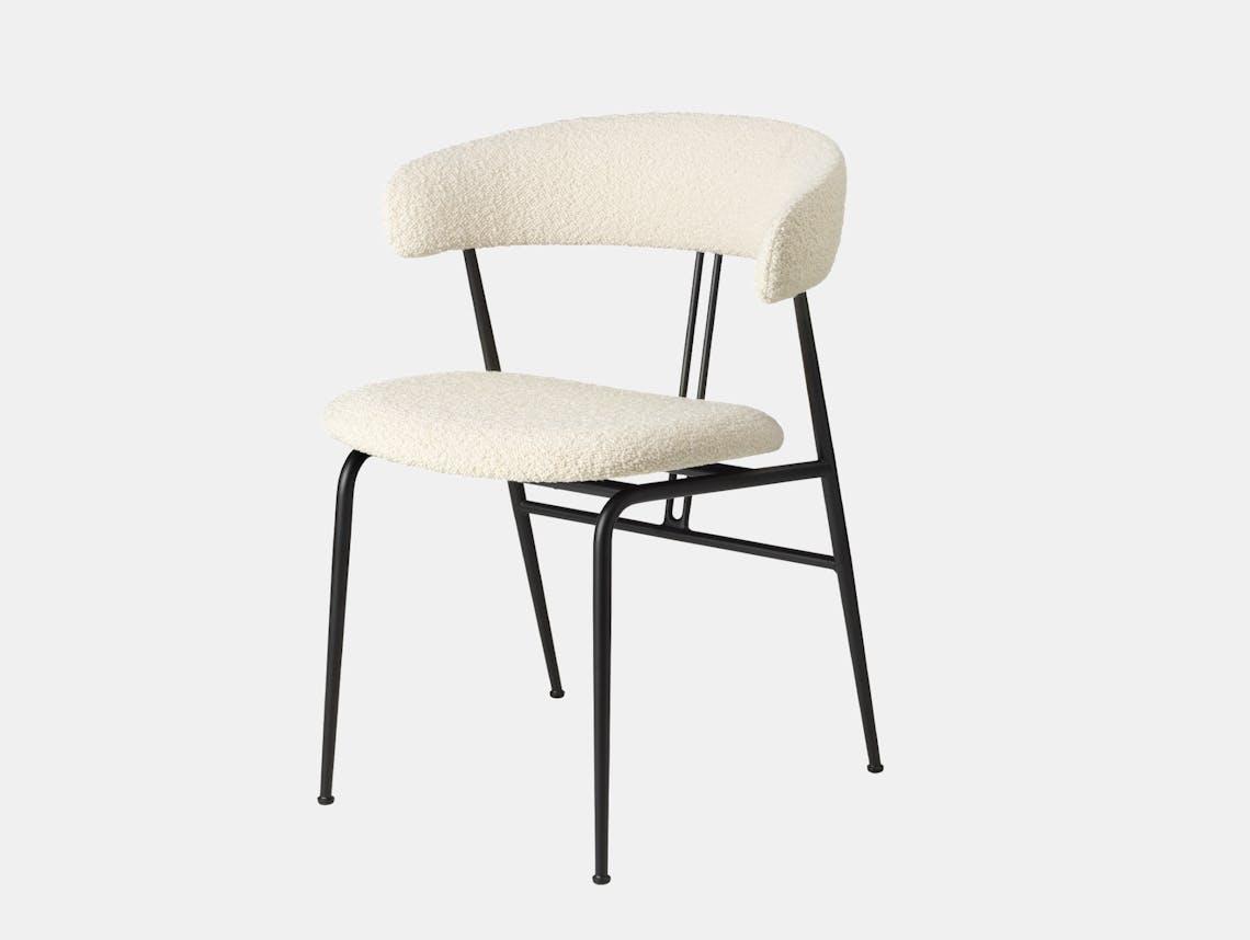 Gubi violin chair fully upholstered karakorum 001