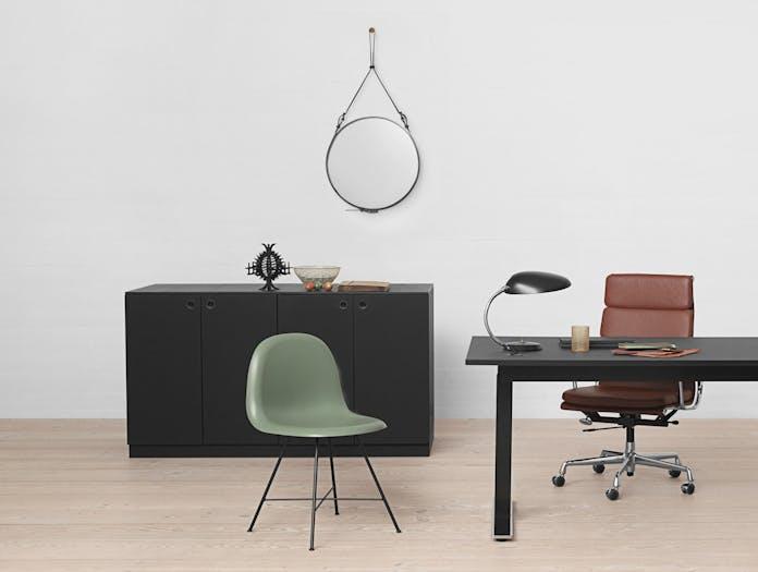 Gubi 1 F Chair Cobra Table Lamp Adnet Circulaire