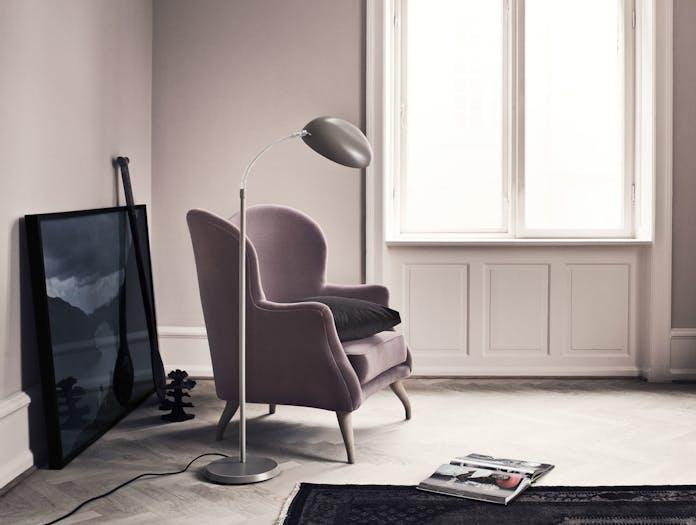 Gubi Cobra Floor Lamp Warm Grey