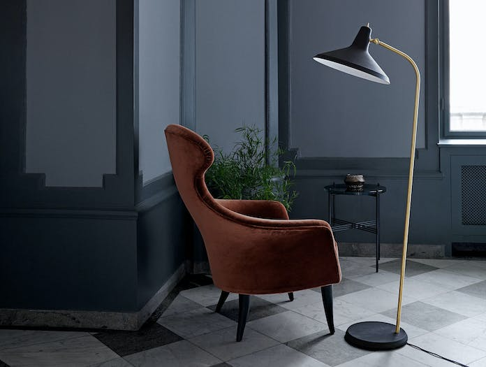 Gubi Eva Lounge Chair G10 Floor Lamp
