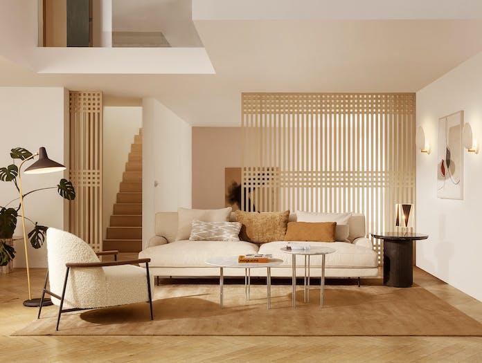 Gubi flaneur sofa lifestyle 3