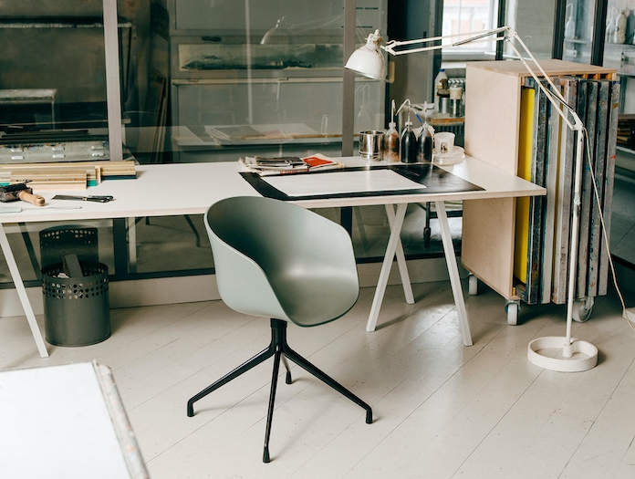 Hay Loop Stand Table White
