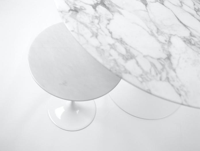 Knoll Eero Saarinen Table White Marble Detail